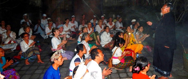 Nyepi Ratu with visitors